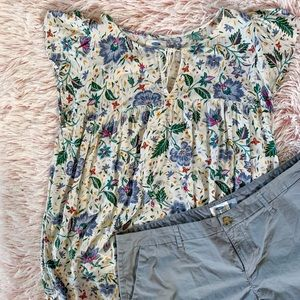 ✨Old Navy Floral Print Blouse